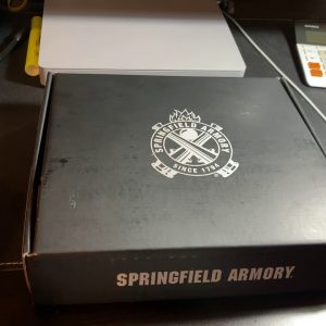 Springfield Armory XDS 9 Mod2 3.3 with CTS 1500 red dot.  Unboxing and installing red dot, Spanish.